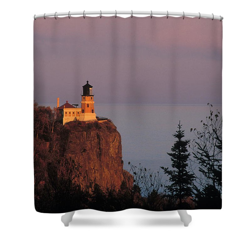 Split Shower Curtain featuring the photograph Split Rock Lightghouse - Fs000635 by Daniel Dempster