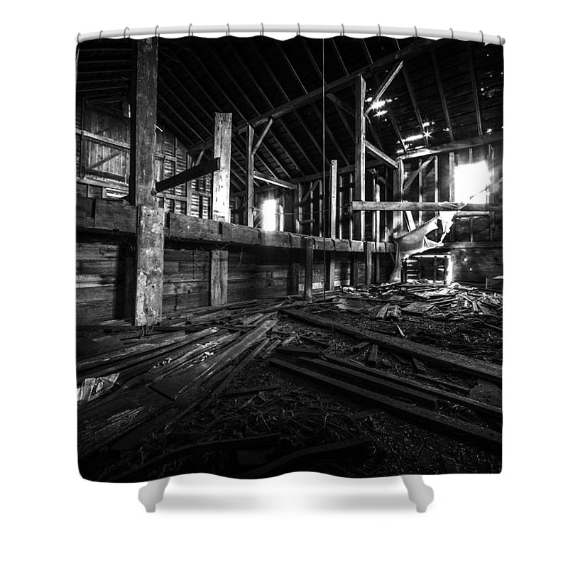 Barn Shower Curtain featuring the photograph The Barn IIi by Everet Regal