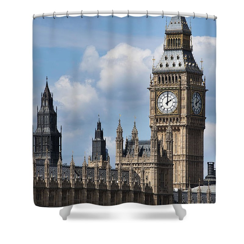Ben Shower Curtain featuring the photograph The Houses Of Parliament by Andrew Michael