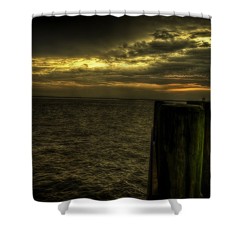 Bay Shower Curtain featuring the photograph The Setting Bay by Ryan Crane