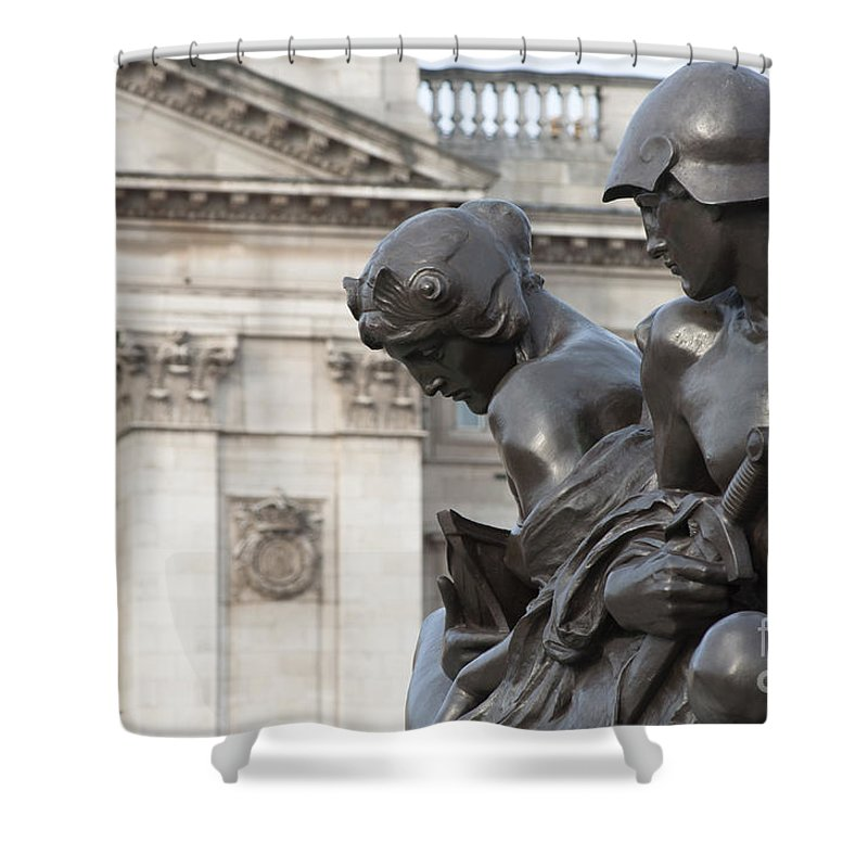 2011 Shower Curtain featuring the photograph Victoria Memorial Fountain by Andrew Michael