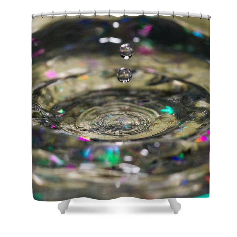 Water Shower Curtain featuring the photograph Waterdrop14 by Danielle Silveira