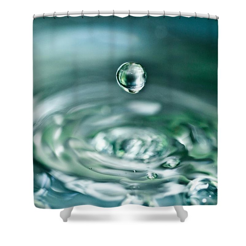 Water Drop Shower Curtain featuring the photograph Waterdrop4 by Danielle Silveira