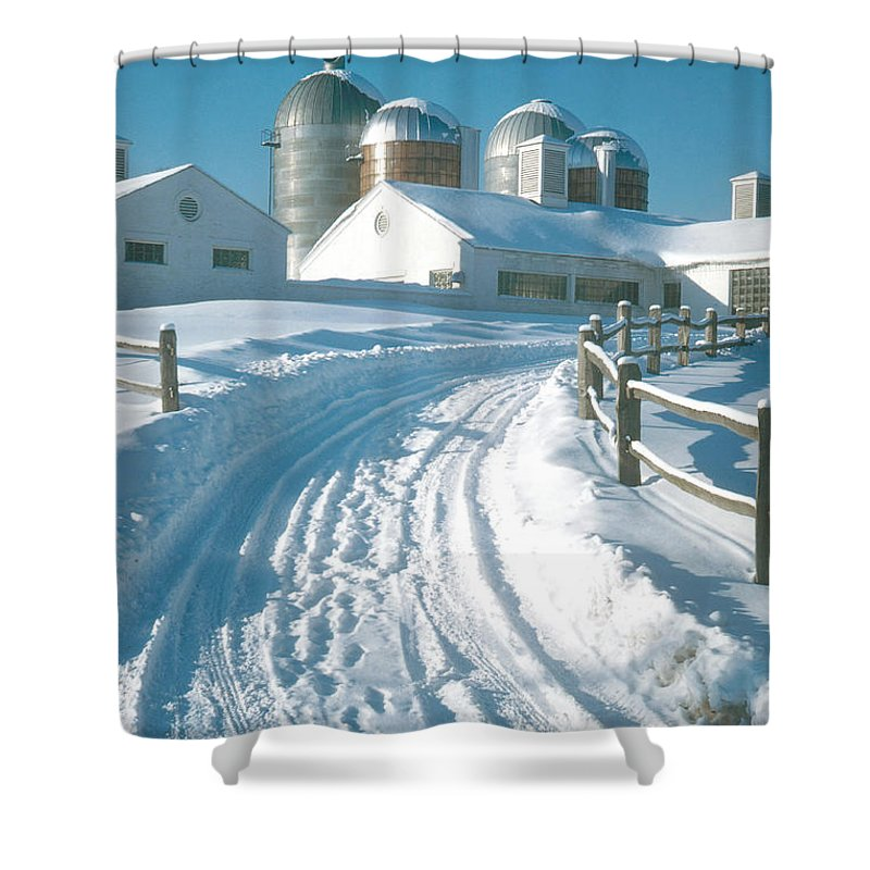 Winter Shower Curtain featuring the photograph Winter, Ct by Photo Researchers, Inc.