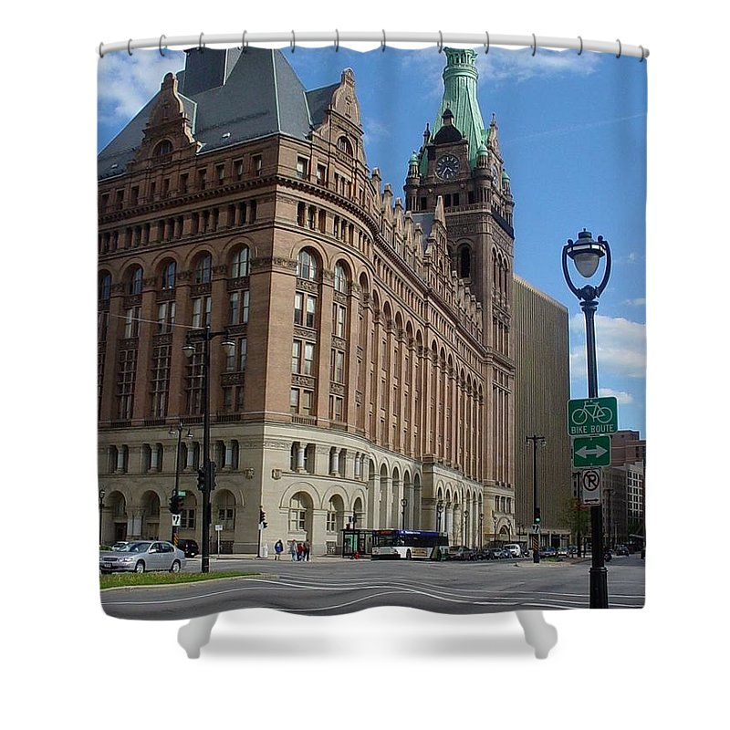 Milwaukee Shower Curtain featuring the photograph City Hall And Lamp Post by Anita Burgermeister