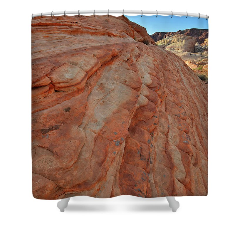 Valley Of Fire State Park Shower Curtain featuring the photograph Colorful Sandstone Wave In Valley Of Fire by Ray Mathis