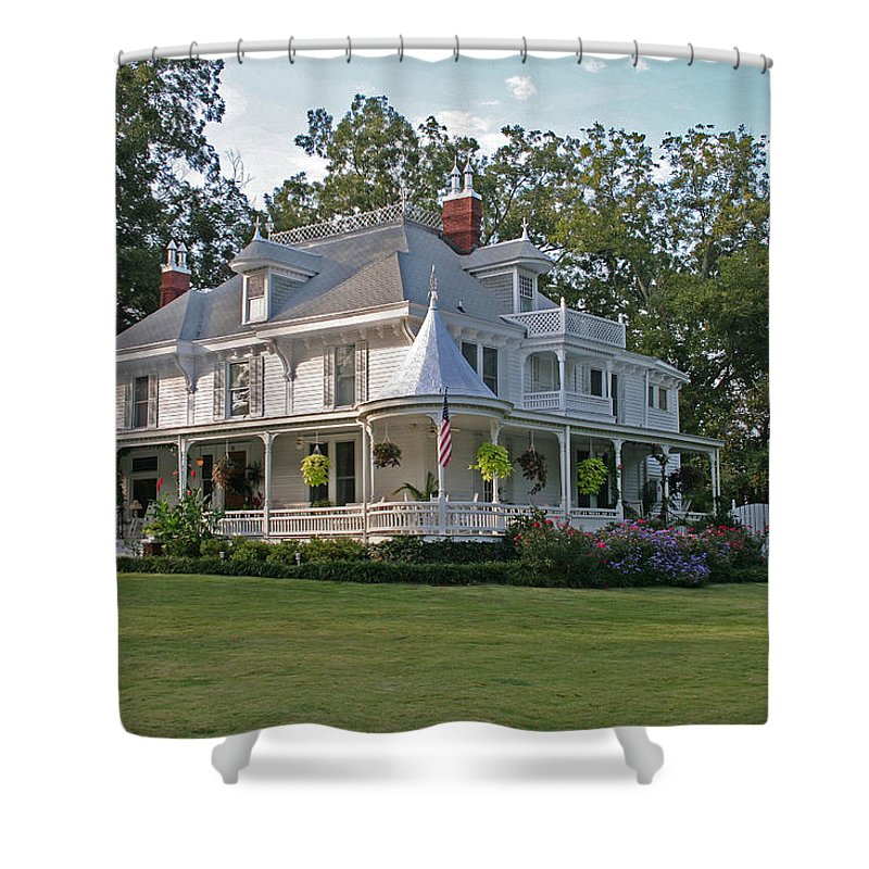 Victorian Shower Curtain featuring the photograph Higdon House Inn by David Campbell