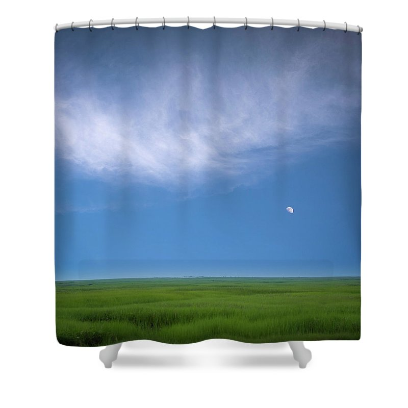 Usa Shower Curtain featuring the photograph Moonrise by John Whitmarsh