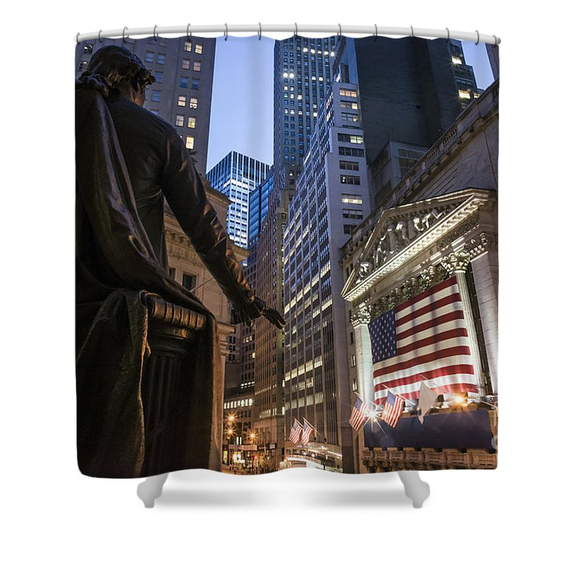 Aktien Shower Curtain featuring the photograph New York Wall Street by Juergen Held