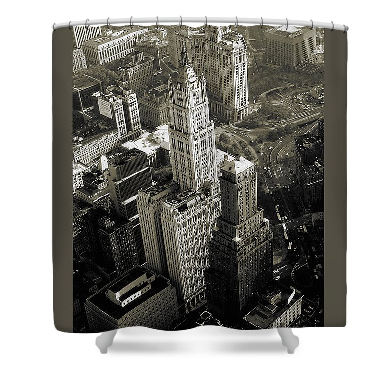 Woolworth+building Shower Curtain featuring the photograph New York Woolworth Building - Vintage Photo Art Print by Peter Potter