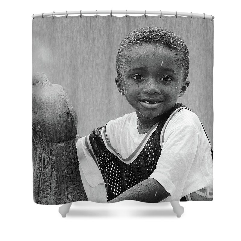 2d Shower Curtain featuring the photograph Philly Fountain Kid by Brian Wallace