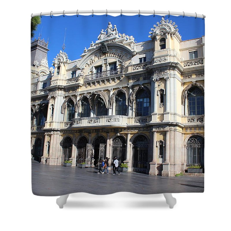 Shower Curtain featuring the photograph Barcelone by Pascalle Raymond