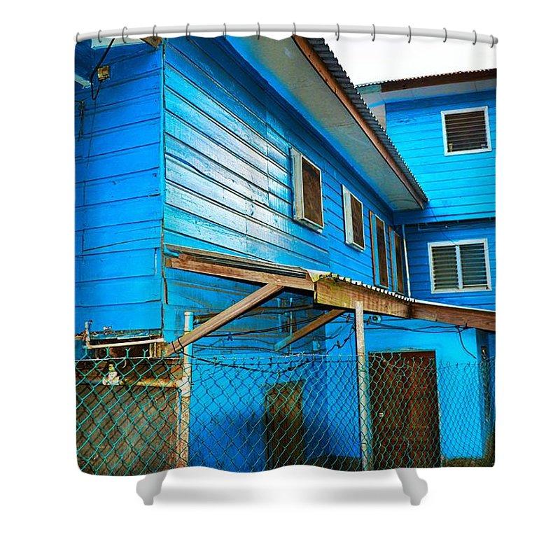 Rural Scene Shower Curtain featuring the photograph Roatan/house by Gianni Bussu