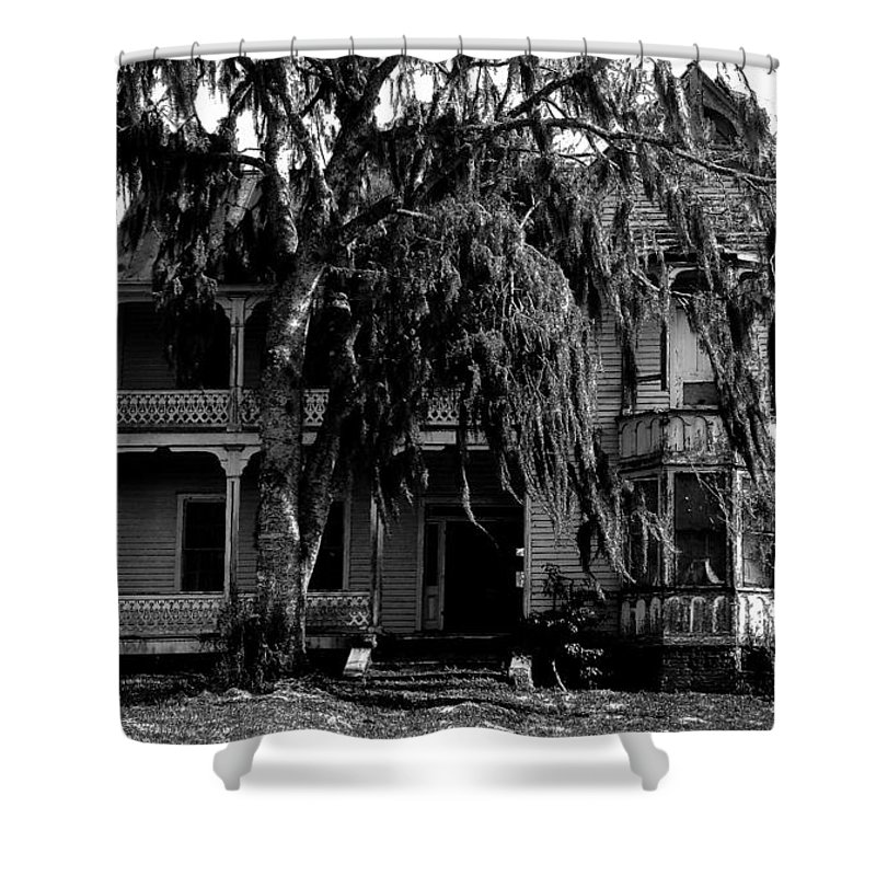 House Shower Curtain featuring the painting 13th House On 13th Street by David Lee Thompson