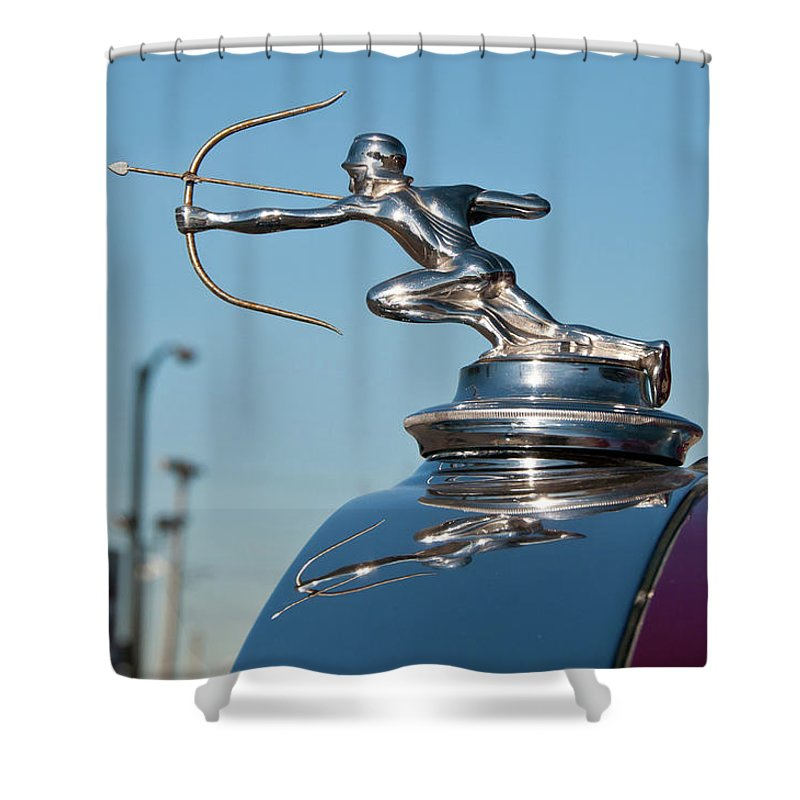Antique Car Shower Curtain featuring the photograph 1931 Pierce Arrow 3471 by Guy Whiteley