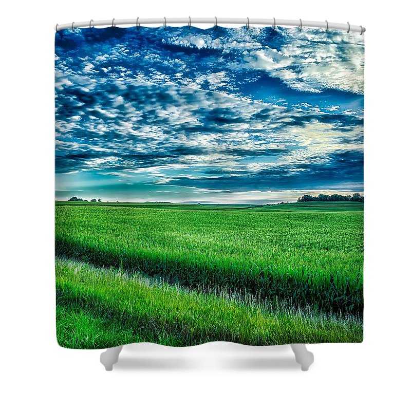 Iowa Shower Curtain featuring the photograph An Iowa Sunset by Mountain Dreams
