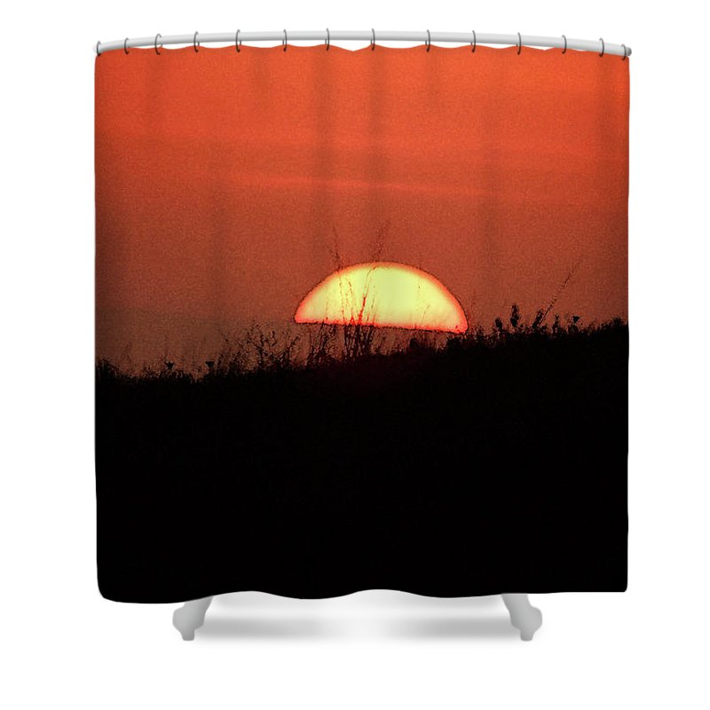 Sun Shower Curtain featuring the photograph Evening Light by Cliff Norton