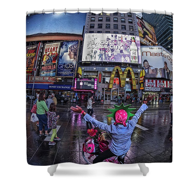 Amerikanisch Shower Curtain featuring the photograph New York Soho by Juergen Held