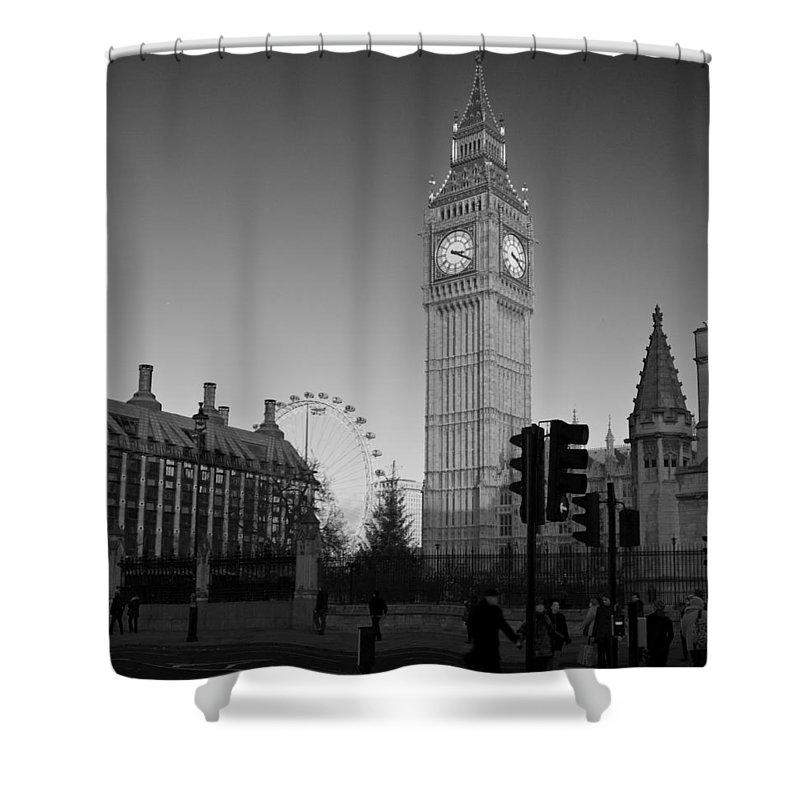 London Eye Shower Curtains