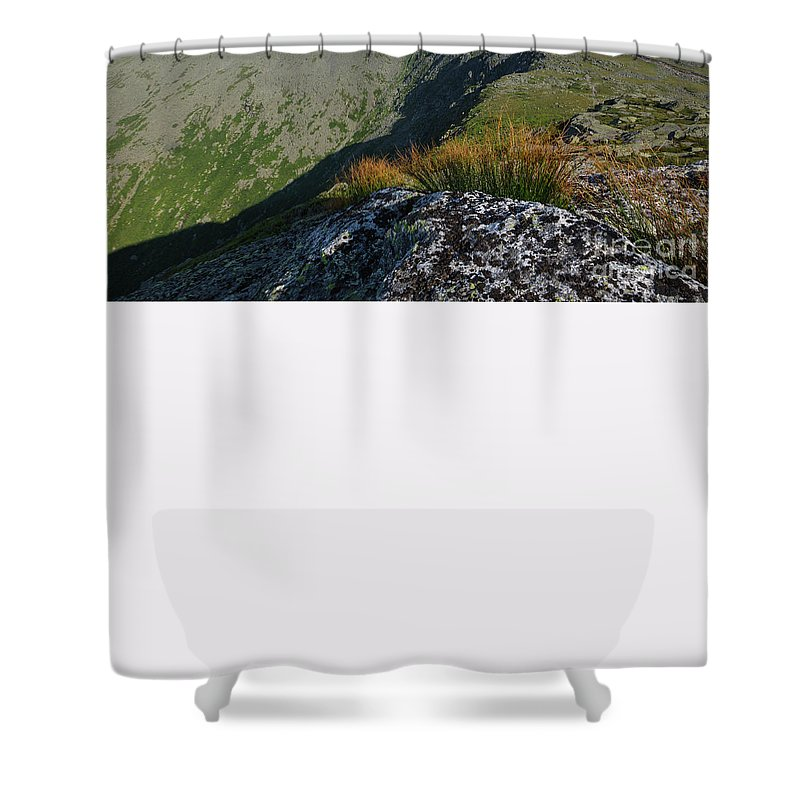 White Mountains Shower Curtain featuring the photograph Mount Washington New Hampshire Usa by Erin Paul Donovan
