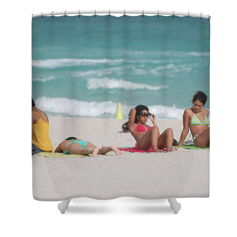 Sea Scape Shower Curtain featuring the photograph 3 Up 1 Down At The Beach by Rob Hans