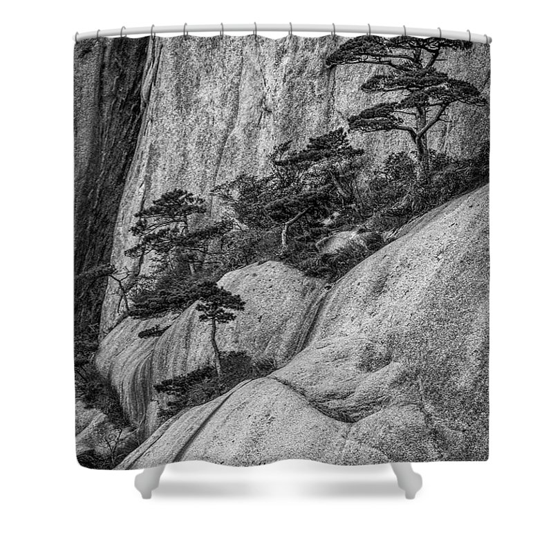 Anhui Province Shower Curtain featuring the photograph 5867- Yellow Mountains Black And White by David Lange