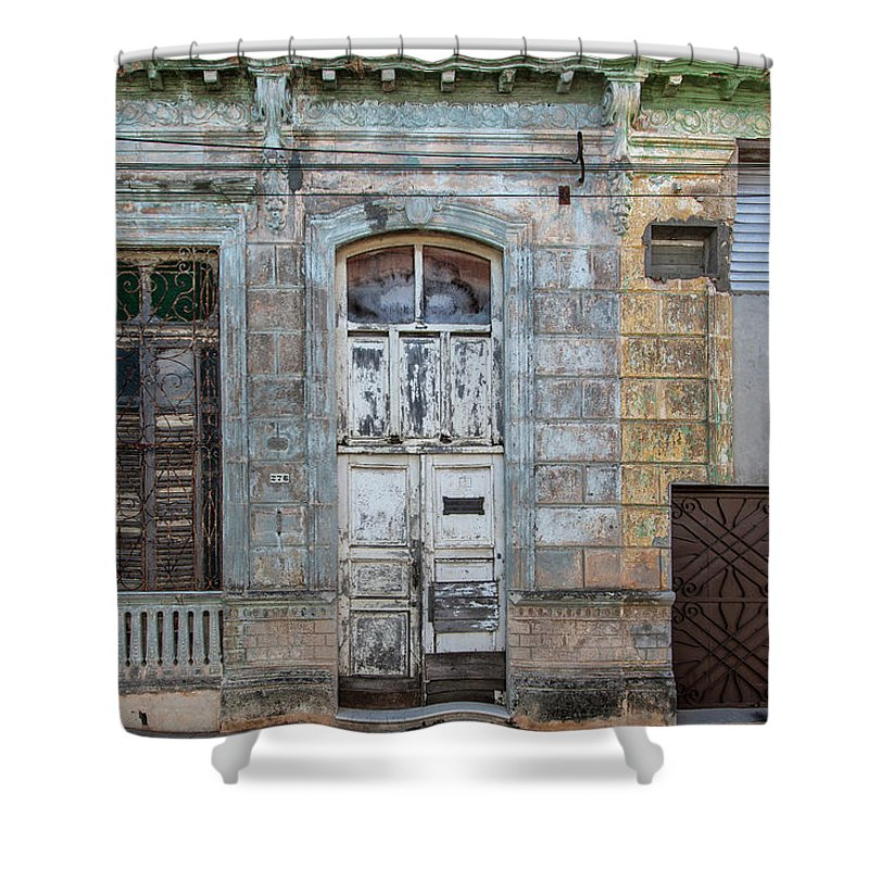 618 Or 276; Cuba Shower Curtain featuring the photograph 618 Or 276 by Erron