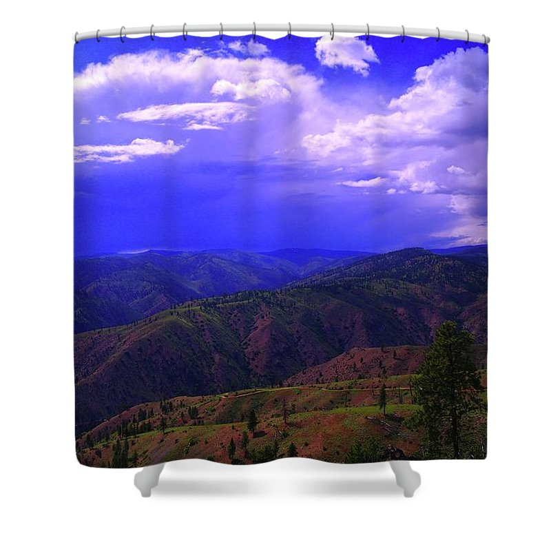 Storms Shower Curtain featuring the photograph A Storm Coming In by Jeff Swan