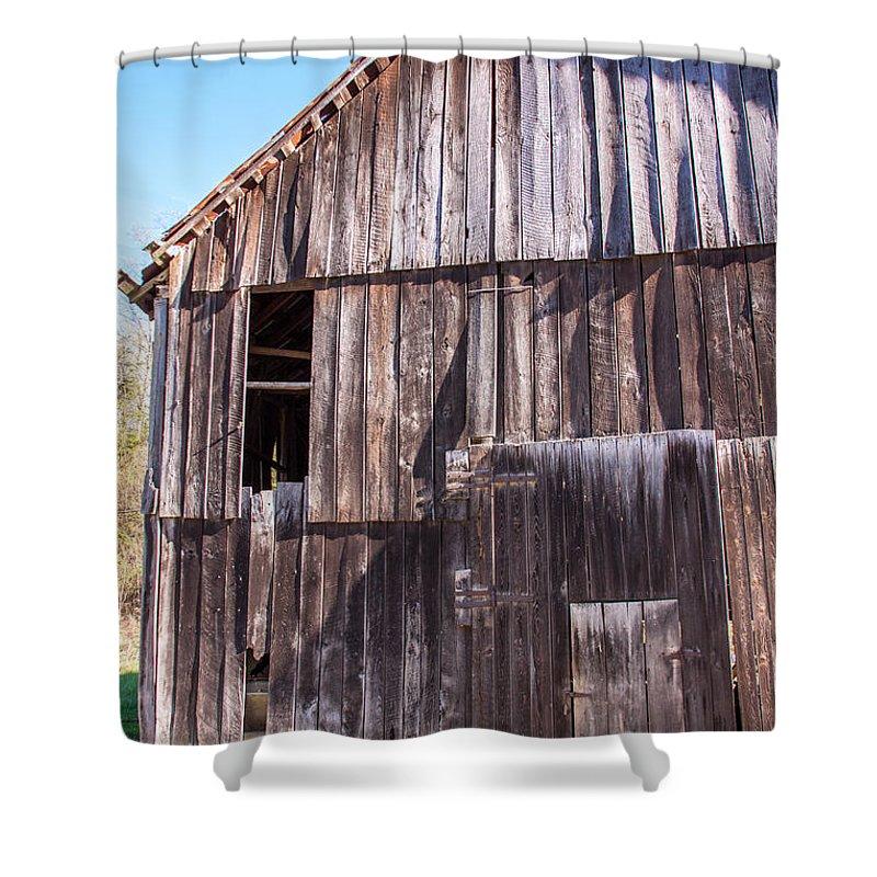 Argillite Kentucky Greenup Landscape Shower Curtain featuring the photograph Alva's Barn by Terry Baldridge