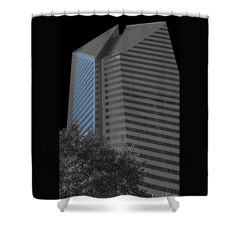 Illinois Shower Curtain featuring the photograph Associates Bldg - Chicago by Mark Fuge