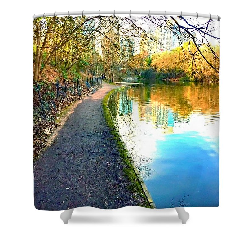 Shower Curtain featuring the photograph Atlanta Park by Richard Brooke