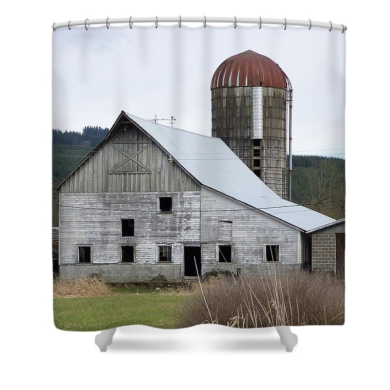 Digital Photography Shower Curtain featuring the photograph Barn And Silo by Laurie Kidd