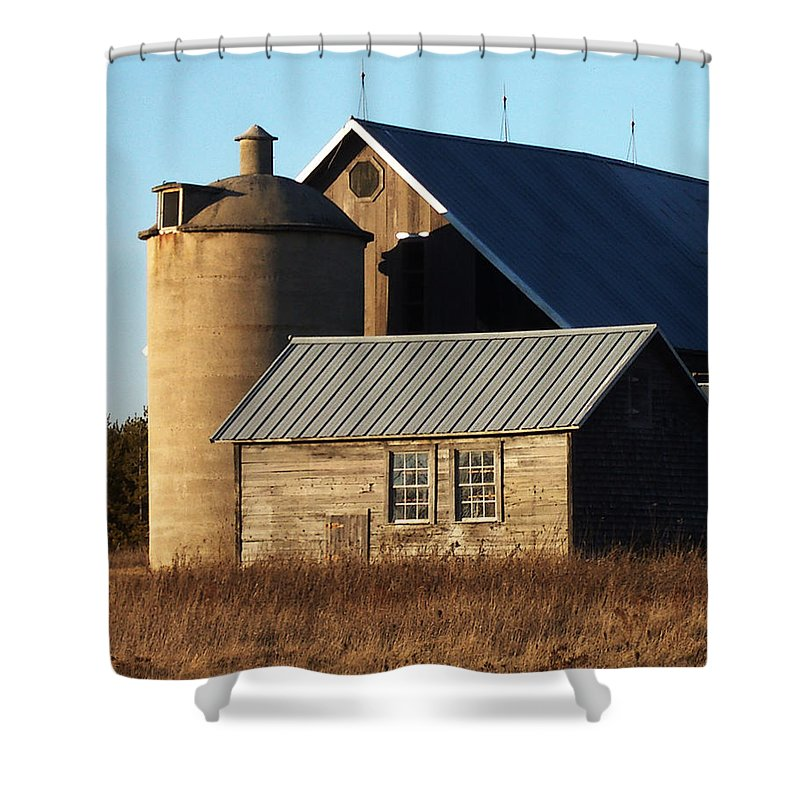 Barn Shower Curtain featuring the photograph Barn At 57 And Q by Tim Nyberg