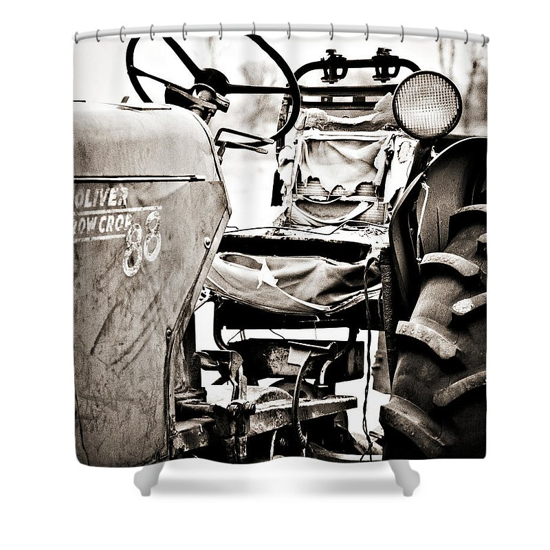 Americana Shower Curtain featuring the photograph Beautiful Oliver Row Crop Old Tractor by Marilyn Hunt