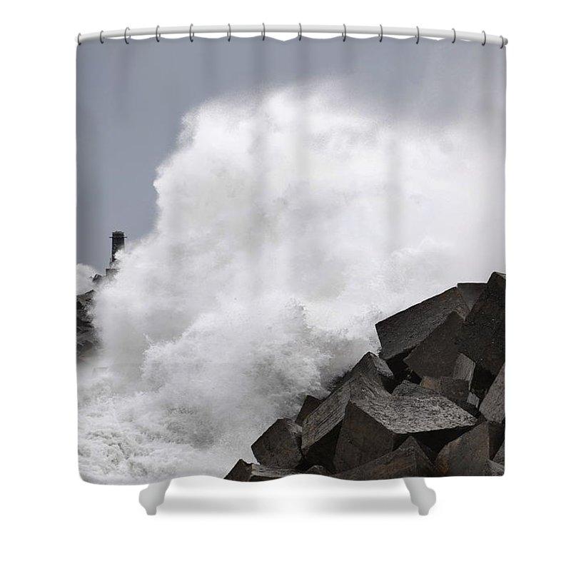 Spain Shower Curtain featuring the photograph Big Waves II by Rafa Rivas