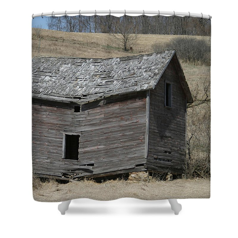 Old Barns Shower Curtain featuring the photograph Breaking Up by Bjorn Sjogren