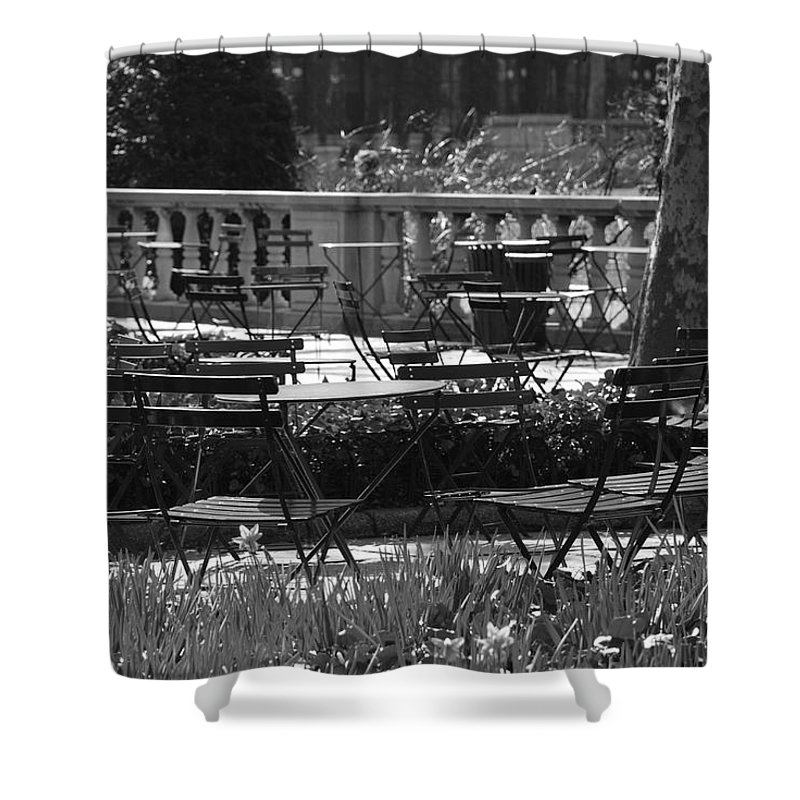 Black And White Shower Curtain featuring the photograph Bryant Park In Black And White by Rob Hans