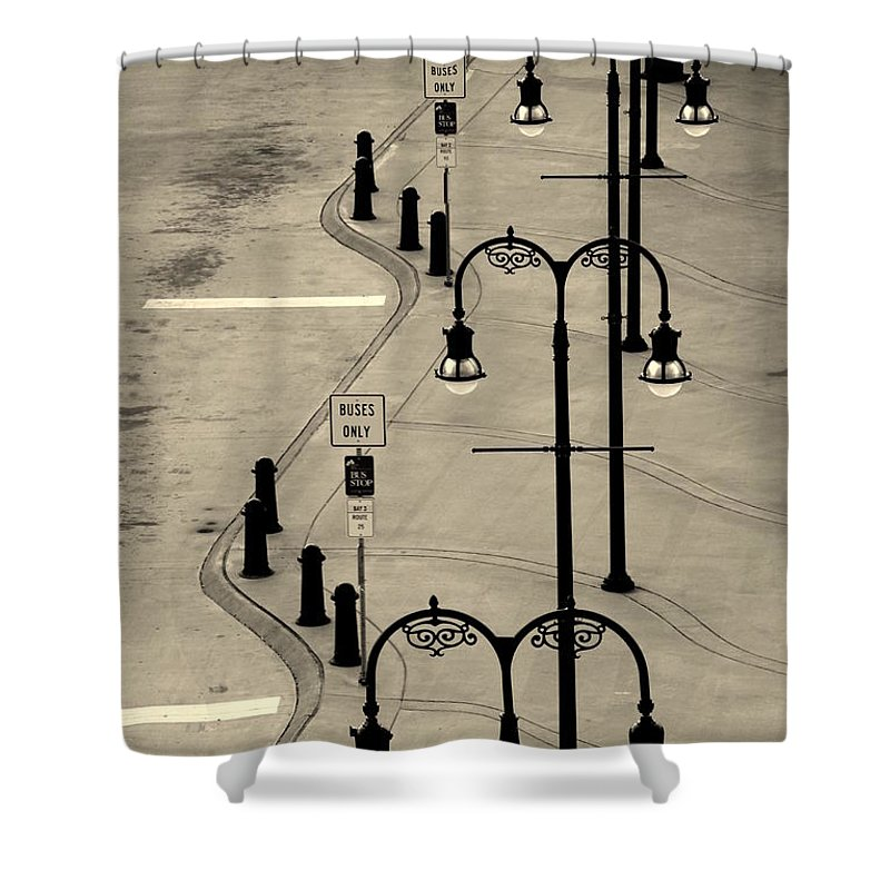 Bus Stop Shower Curtain featuring the photograph Bus Stop In Nashville Tn by Susanne Van Hulst