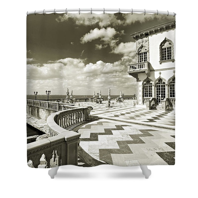 Ringling Shower Curtain featuring the photograph Ca D'zan Mansion by Mal Bray