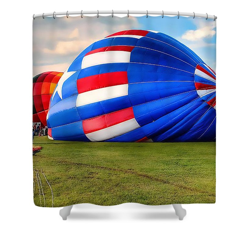 Hot Air Balloon Shower Curtain featuring the photograph Colorful Balloons by Dyle  Warren