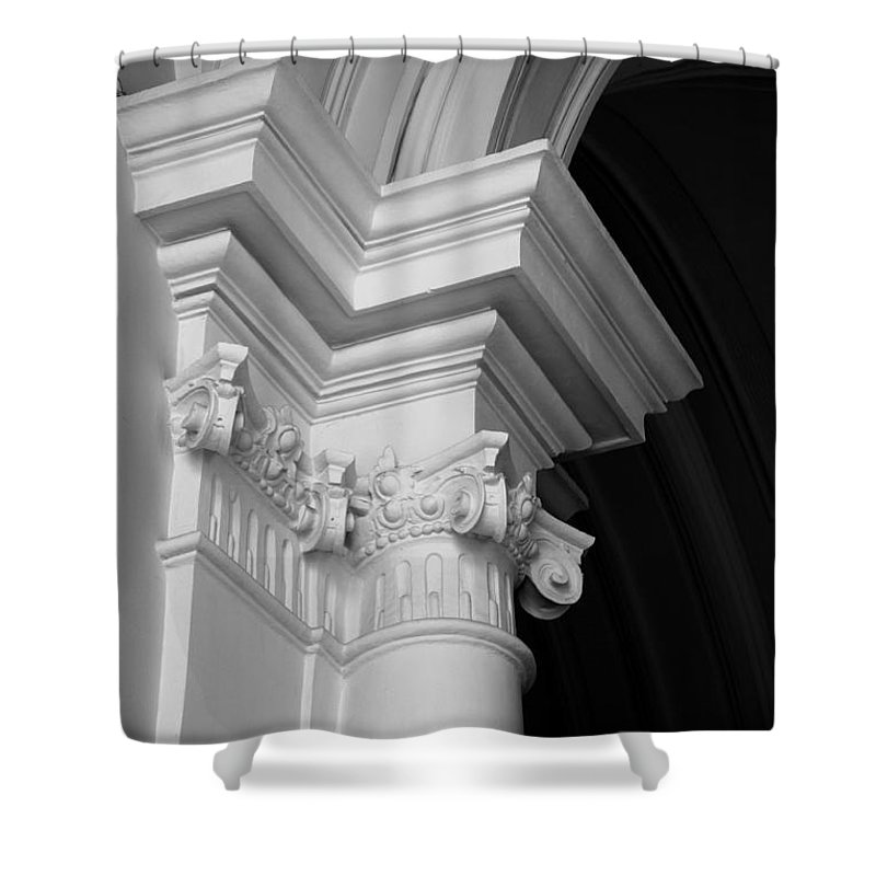 Architectural Elements Shower Curtain featuring the photograph Columns At Hermitage by Donna Corless