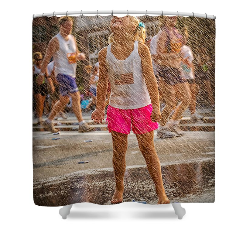 Atlanta Shower Curtain featuring the photograph Cooling In The Spray by Kathleen K Parker