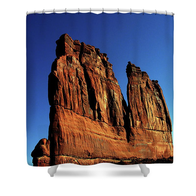 Red Rocks Shower Curtain featuring the photograph Courthouse Towers by Adam Vance