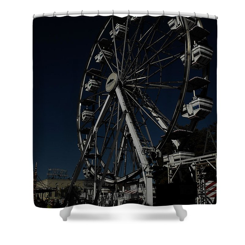 Ferris Wheel Shower Curtain featuring the photograph Dark Ride by Kristie Bonnewell