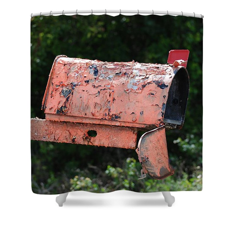 Country Scene Shower Curtain featuring the photograph Death By E Mail by Rob Hans