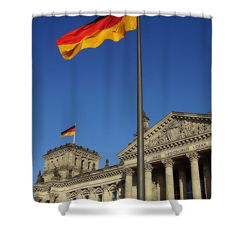 Deutscher Bundestag Shower Curtain featuring the photograph Deutscher Bundestag by Flavia Westerwelle