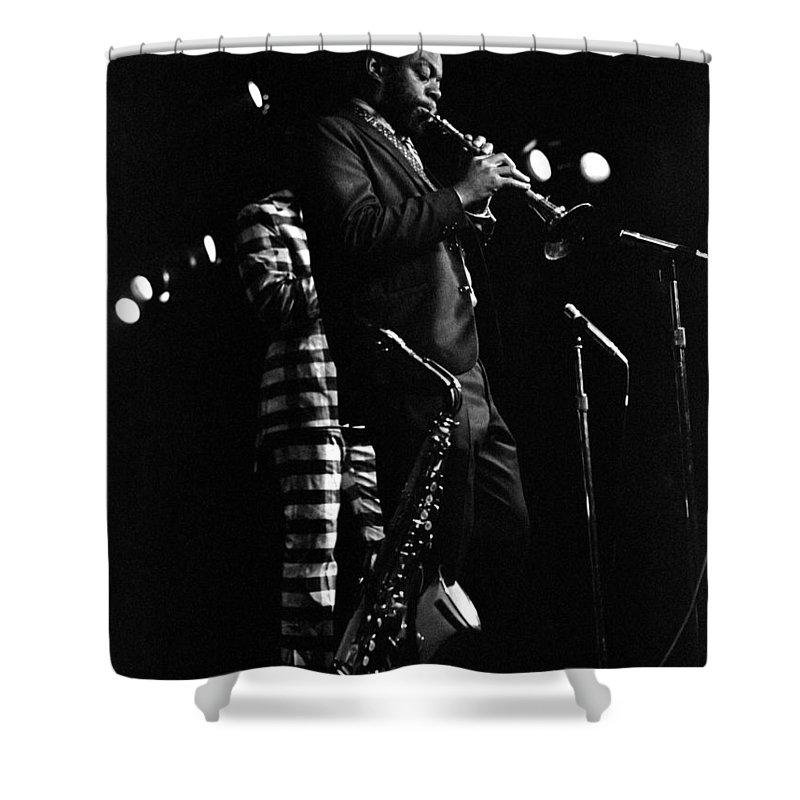 Dewey Redman Shower Curtain featuring the photograph Dewey Redman by Lee Santa