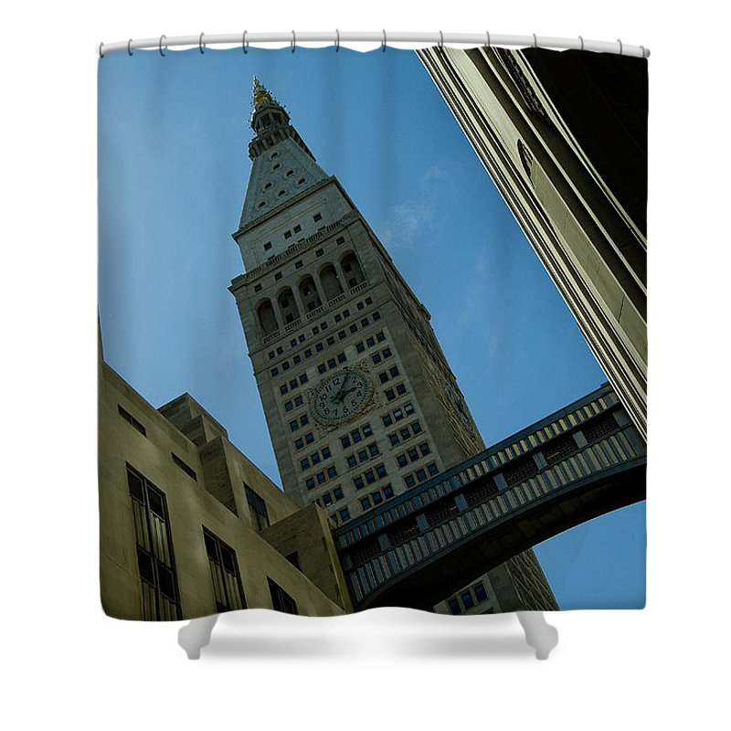 New York City Shower Curtain featuring the photograph Diagonal View Of Pedestrian Bridge by Todd Gipstein