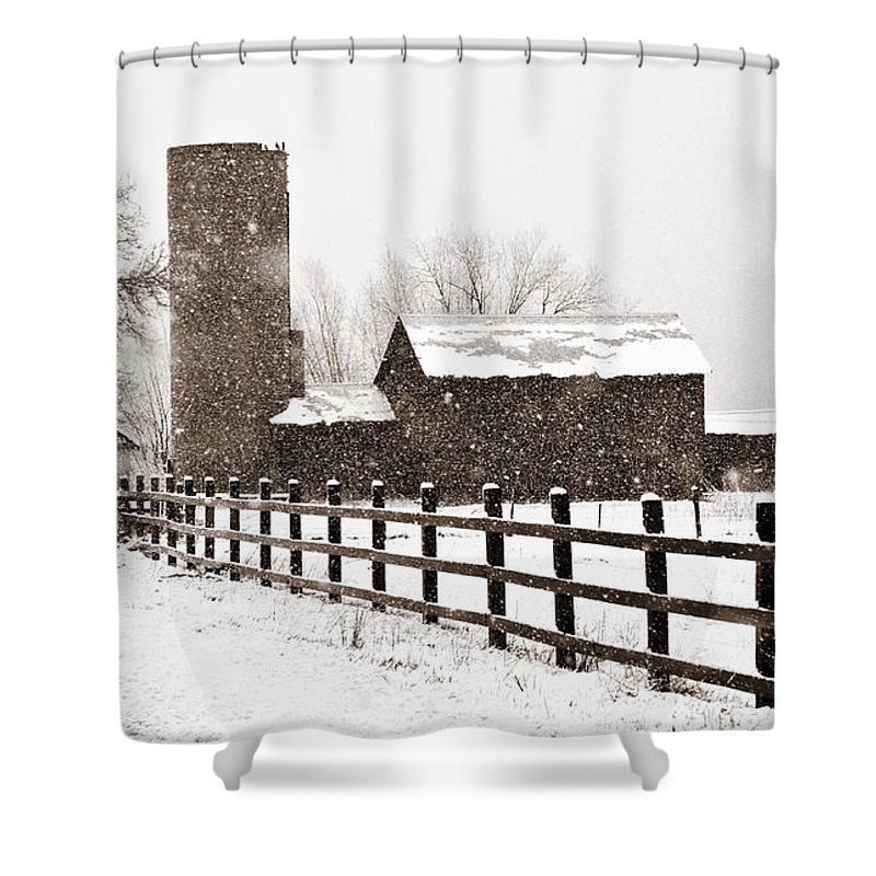 Americana Shower Curtain featuring the photograph Driving Down Cherryvale by Marilyn Hunt