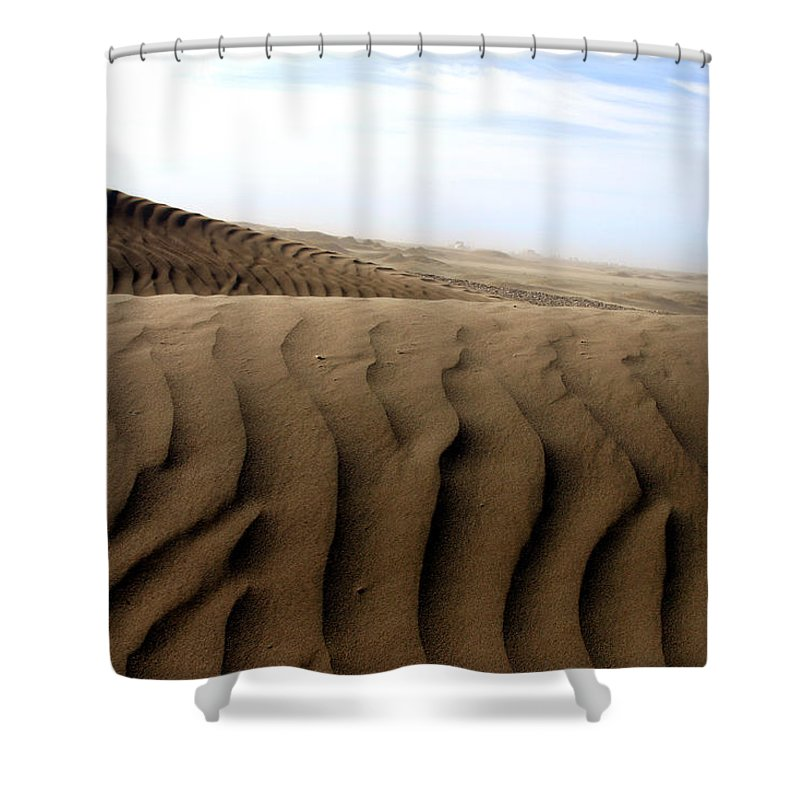 Sand Dunes Shower Curtain featuring the photograph Dunes Of Alaska by Anthony Jones
